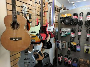 Bass guitars and leads